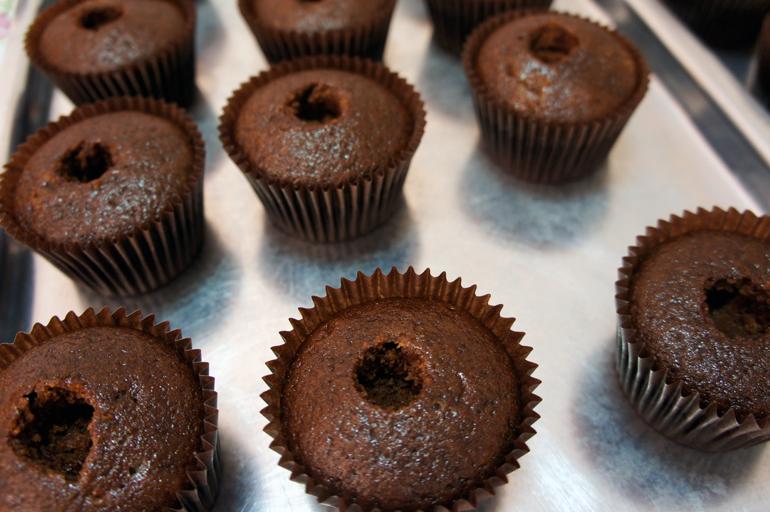 Cupcake com cobertura de chantininho dentro do post2