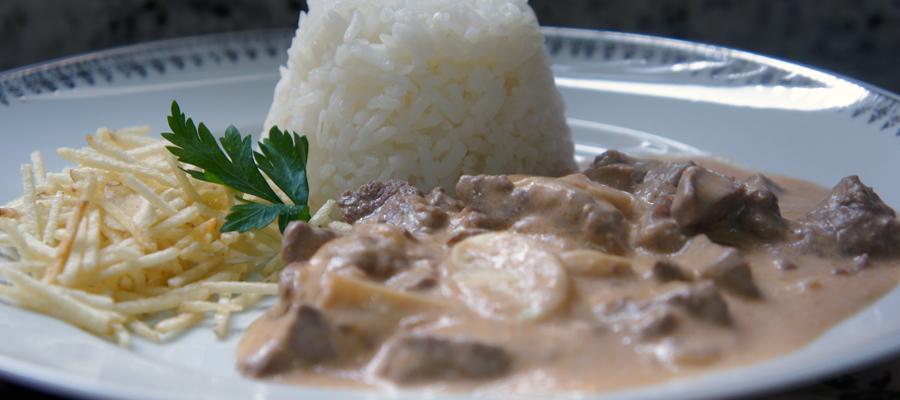 Strogonoff com arroz branco post bunner