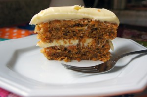 Carrot Cake - Bolo de Cenoura com Nozes e especiarias dentro do post4